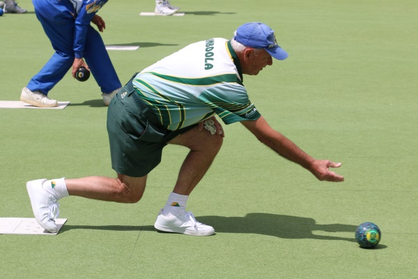 Bowls | Geoff Gazelle advances to the last 16 in state