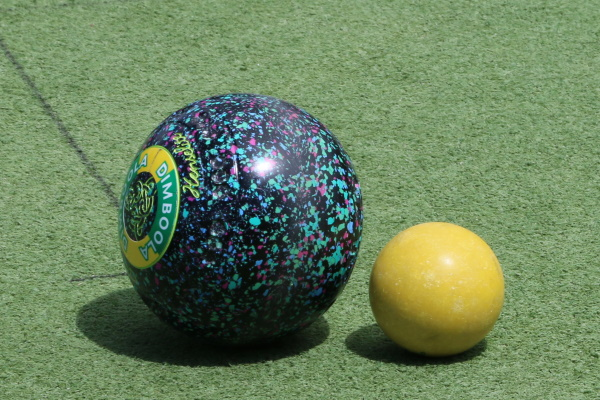 Mixed results in opening Pennant bowls