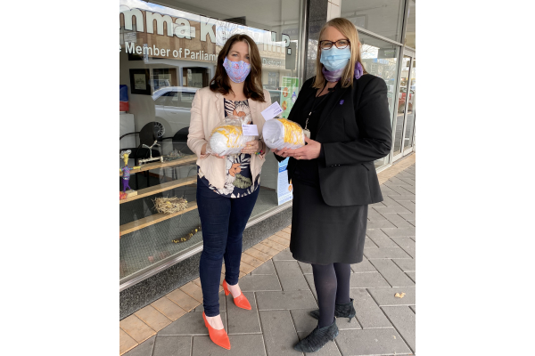 Community bands together to ensure masks for all